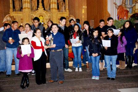 El grupo que preparo la Posada e hizo el papel de Peregrinos, en la Paroquia Holy Redeemer