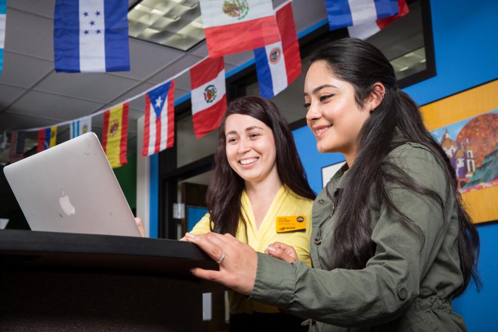UWM debe tener en sus matrículas por lo menos un 25 por ciento del estudiantado de origen Hispano