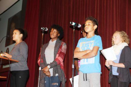 La nueva generación en la conferencia de YWCA.