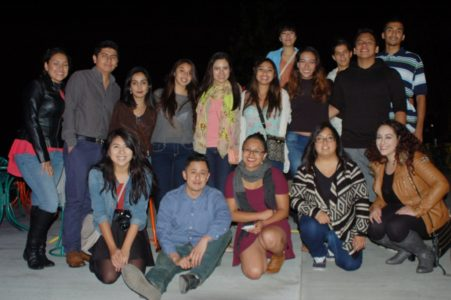 Estudiantes de MECHA y Regeneración de Centro Hispano
