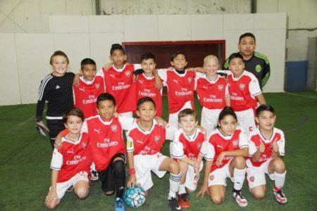"""""""Arsenal"""", integrado por niños latinos y anglos"""
