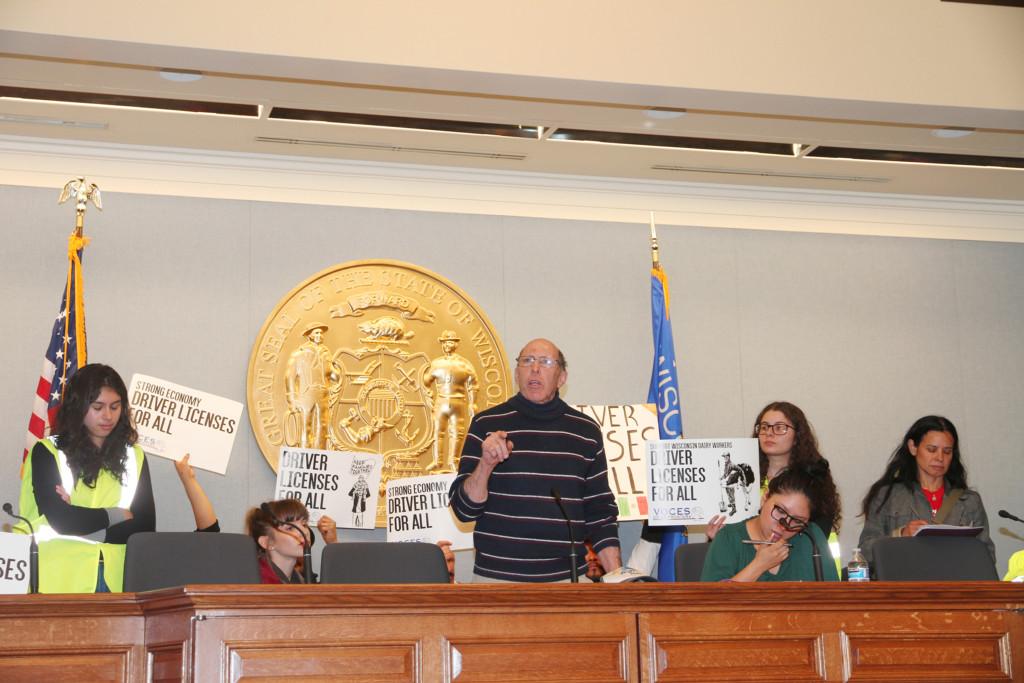 Familias inmigrantes y una coalición llenaron el Capitolio para pedir se restaure la licencia de conducir para todos