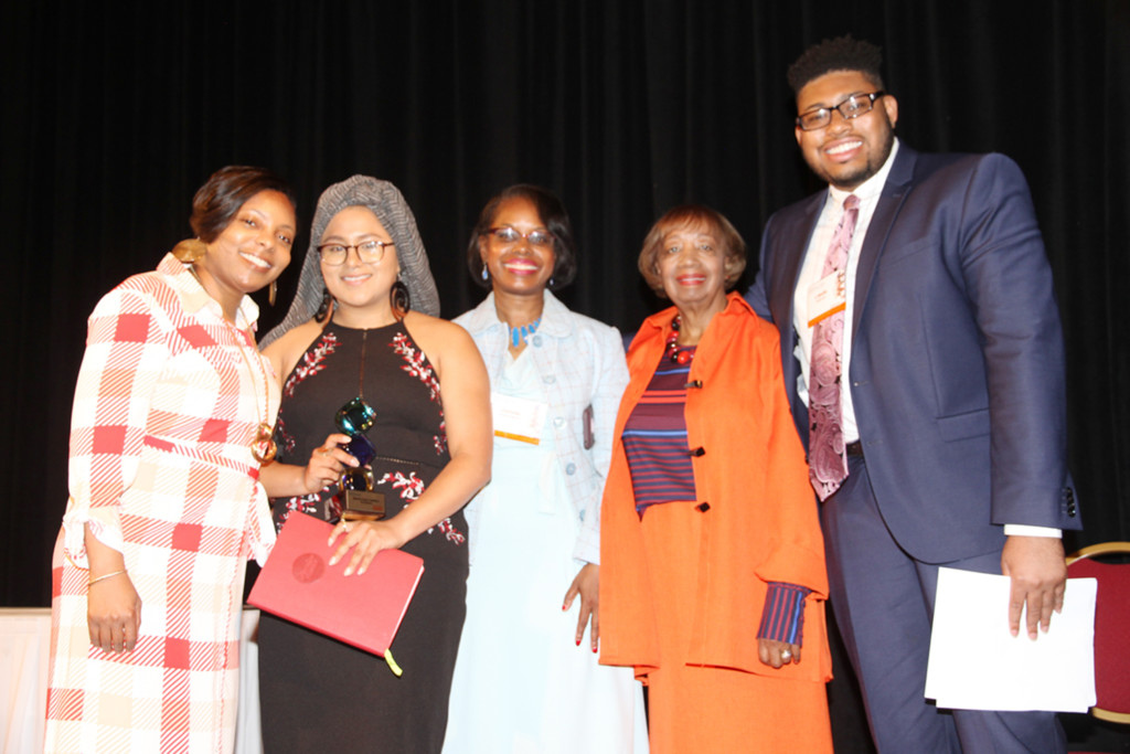 YWCA  otorga premios de liderazgo a mujeres distinguidas de hoy