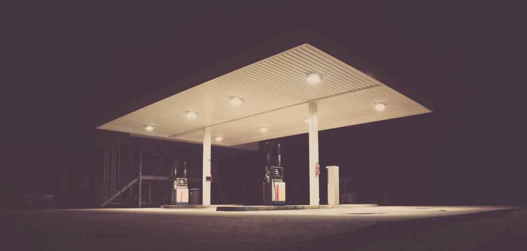 Precios de la gasolina en Wisconsin pueden aumentar tras el ataque saudita