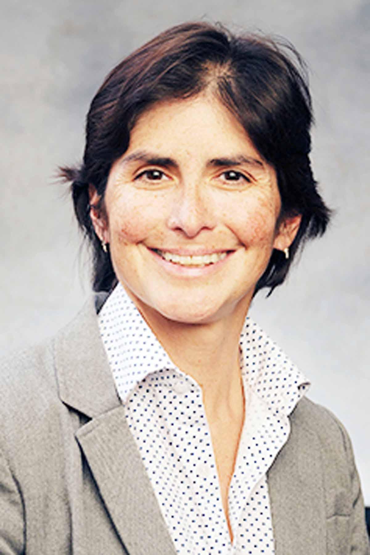 Dra. Ángela Salas es la nueva Decana Académica de Edgewood College