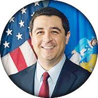Josh Kaul Fiscal Gneral de Madison, WI.