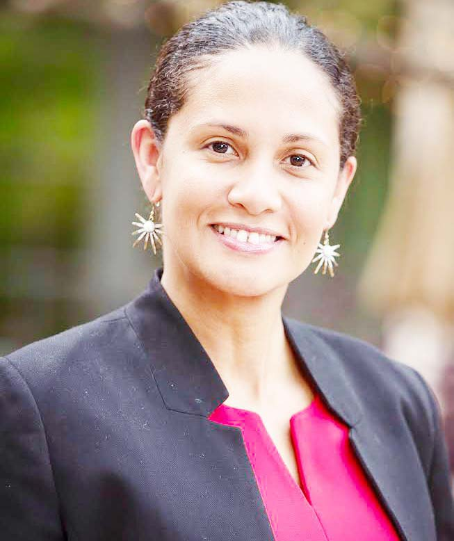 Dominicana Lourdes Shanjani, heroína, madre y trabajadora esencial de salud en Dane County