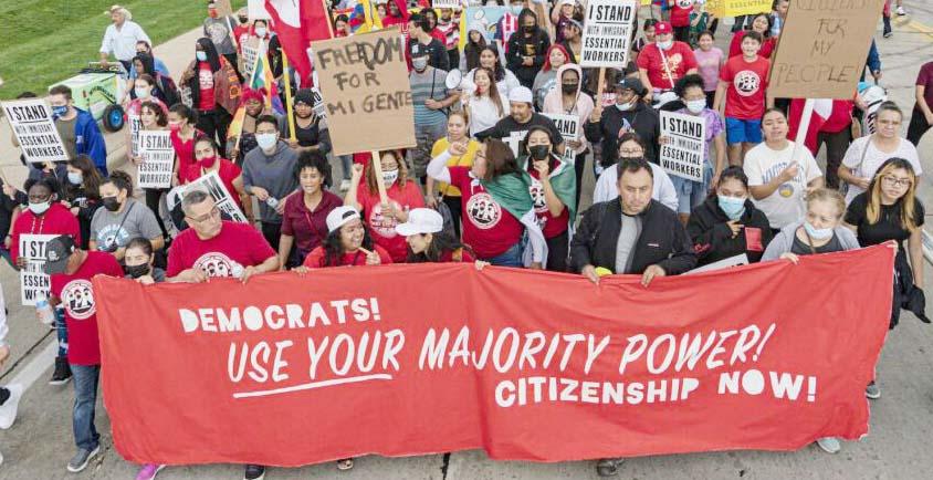 Inmigración: Gobierno y legisladores demócratas contra la pared
